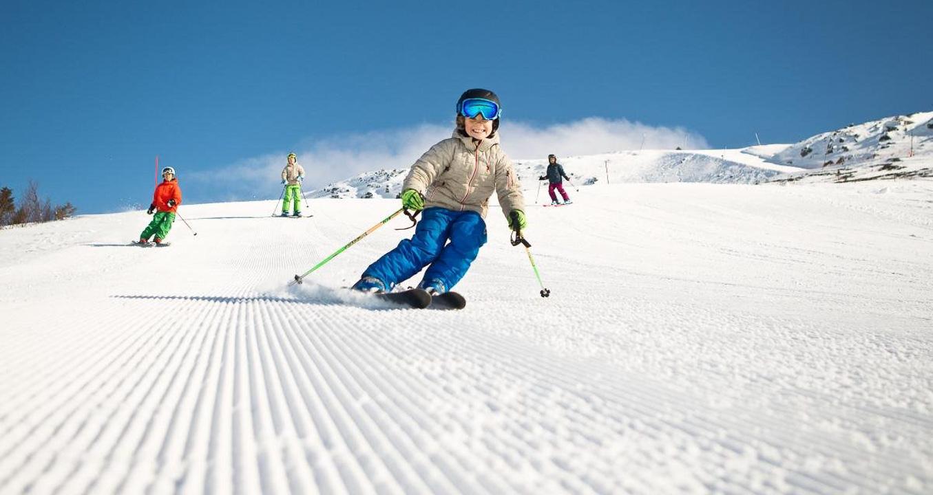 Прокат лиж у Верховині