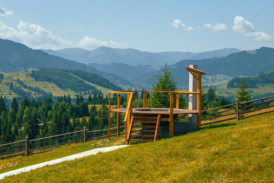 Чан з видом на Чорногірський хребет
