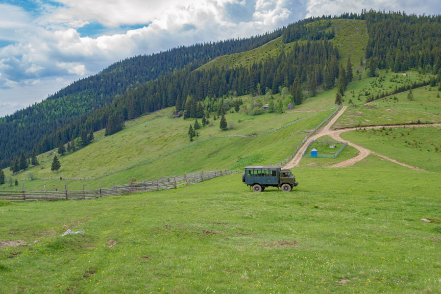 ДЖИПІНГ на машинах ГАЗ-66 горами Верховини