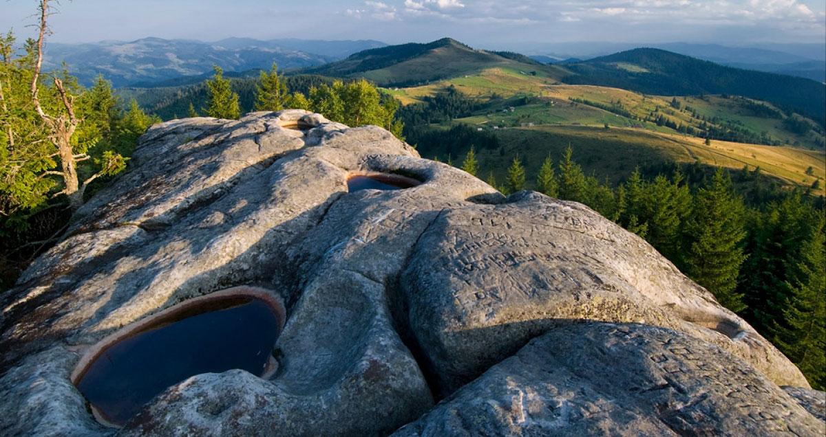 Похід но гору Писаний Камінь