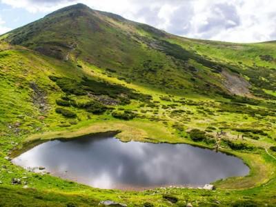 Легенда про озеро Несамовите