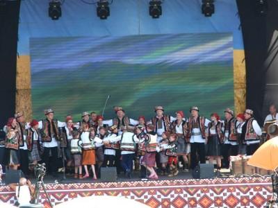 Майстри гуцульського танцю з Віпчого - села Верховинського району