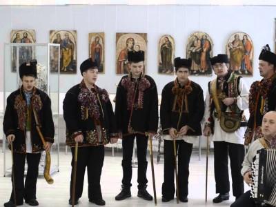 Колядники з Гуцульської столиці трембітали у Львові