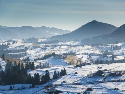 Зимовий відпочинок в Карпатах