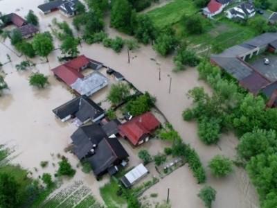 Через сильні дощі на Прикарпатті було підтоплено 21 господарство та дорога