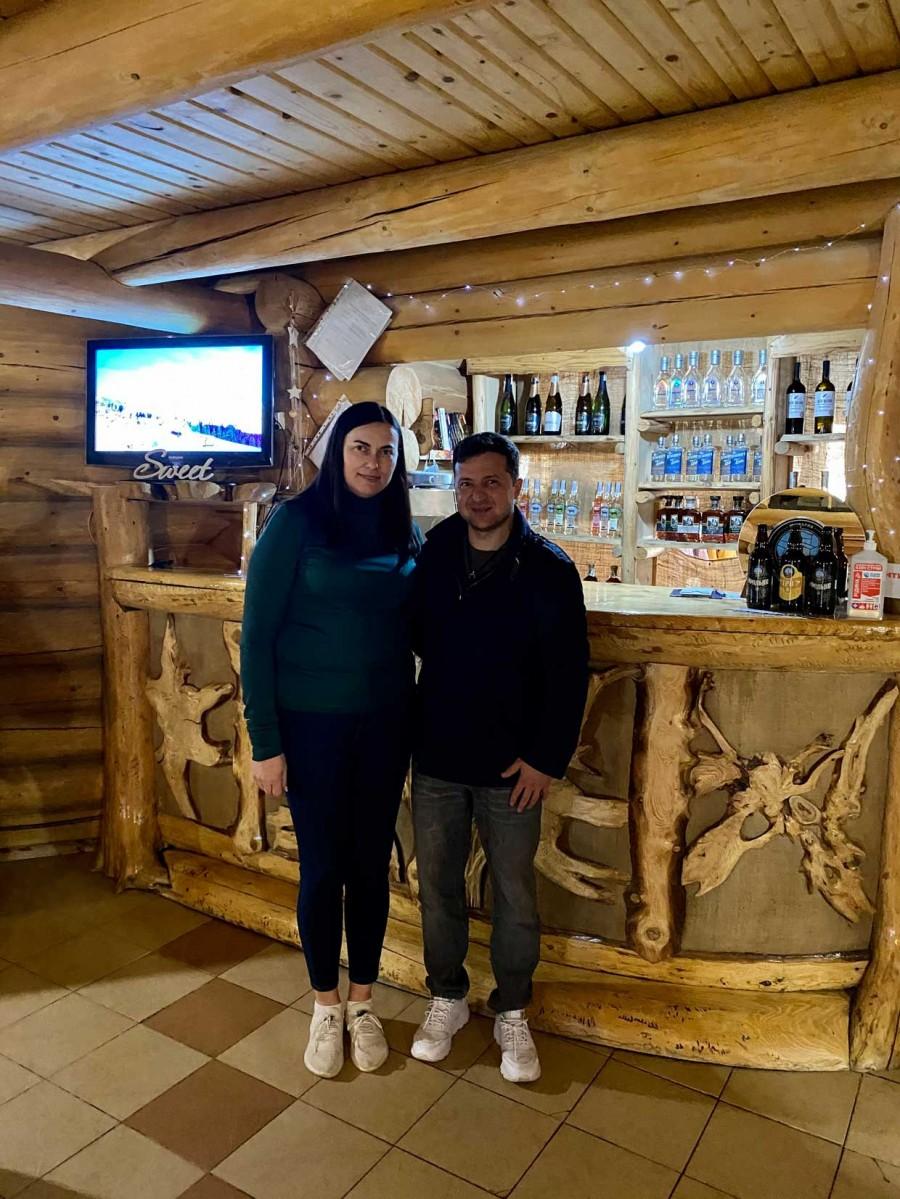 Зеленский с женой поехал отдыхать в Карпаты на Пасху (Фото). Афиша Днепра